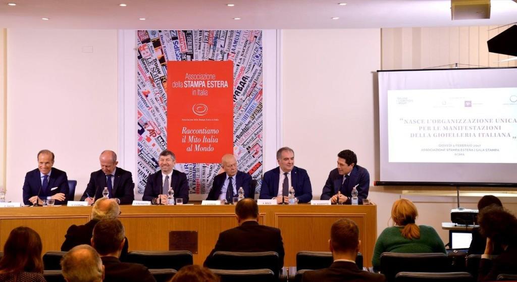 Nella foto (da sinistra): Corrado Facco, Stefano Ciuoffo, Ivan Scalfarotto, Lorenzo Cagnoni, Andrea Boldi, Matteo Marzotto.