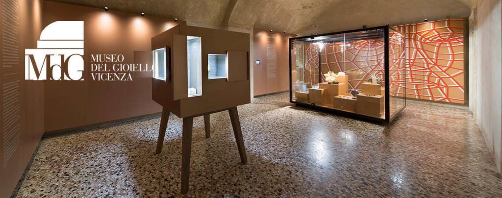 dots_slide_museo2_fdv